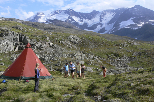 Alpengirl Trekking, Norway with Crossing Latitudes