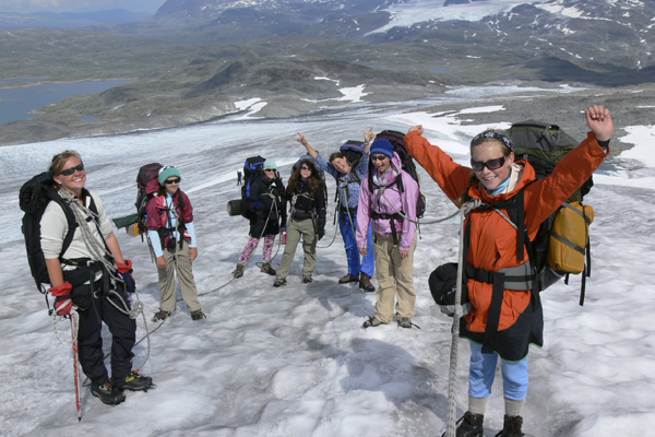 Happy Alpengirls on the Glacier with Crossing Latitudes