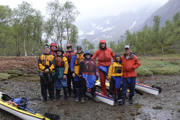 Group of paddlers in Lofoten with Crossing Latitudes