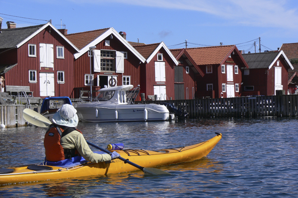 Kayaking in Sweden with Crossing Latitudes