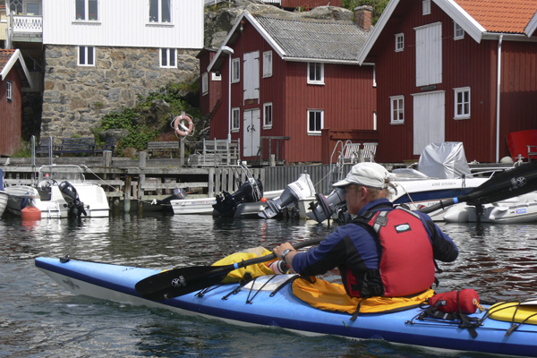 Fredrik Bistedt Kayaking in Sweden with Crossing Latitudes